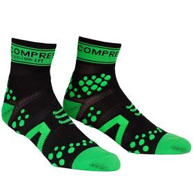 Compressport Racing V2 Run - Chaussettes course à pied - vert/noir